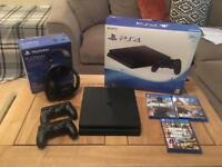 PS4 Slim 500GB - 2 Controllers