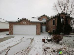$429,000 - Raised Bungalow for sale in Windsor