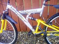 OPTIMA DUAL SUSPENSION BIKE + MUDGUARDS & LOCK **FREE DELIVERY HULL**
