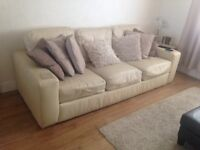 3 seater leather sofa in good condition