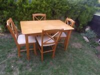 CAN DELIVER - SMALL SIZE SOLID DINING TABLE + 4 CHAIRS IN GOOD CONDITION