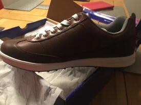 Pair of brand new Slazenger golf shoes