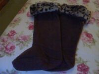 Ladies Long Dark Brown Warm Fleece Welly Boot Socks and Gloves