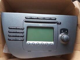 GENUINE Seat Leon MK2 - STEREO - RADIO/CD PLAYER/MP3/AUX