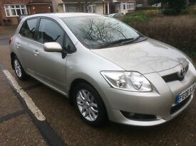 DIESEL AURIS with EIGHT TOYOTA MAINDEALER SERVICE HISTORY
