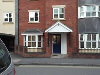 Nuneaton Town Centre Single furnished room to rent with secure parking