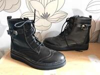 Size 7 women's boots NEVER WORN