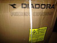 Diadora cross trainer