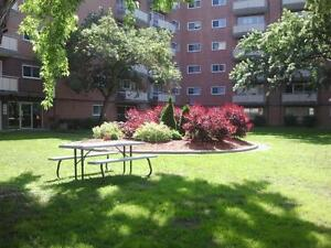 1 BED - WEST END - $929 - OPEN HOUSE WED APR 27 9AM TO 7PM!!