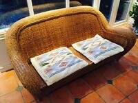 Rattan settee in great condition
