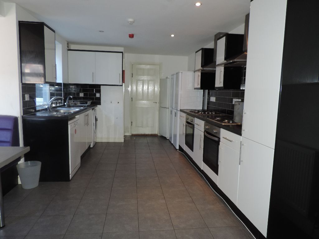 Miskin Street, Cathays, 9 Bedroom House,£3015pcm **AVAILABLE 01/07/2017**
