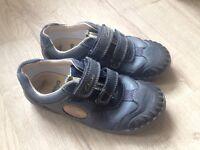 Clarks Stomposaurus shoes size 12.5F