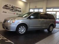 2014 Chrysler Town & Country Touring Low KMS Local No Accidents
