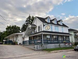 209 900$ - Commercial / Appartement à vendre à Bouchette