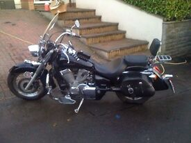 HONDA SHADOW VT750 C4 (many extras)