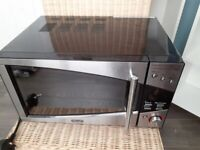 DeLonghi Microwave immaculate condition