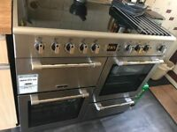 Electric 5 ring hob and 2 ovens