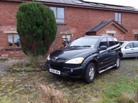 2006 SSANGYONG KYRON SE AUTO BLACK- Diesel- 12 MONTH M.O.T – VERY LOW MILEAGE 59K !! £ 2895 ovno.