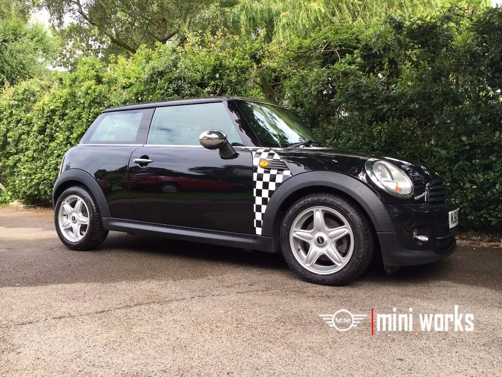 Mini Cooper, high specification, low mileage in excellent condition. 12 months warranty and new MOT