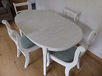 Lovely Shabby Chic Dining Table and Chair Set