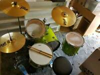 Yamaha Gigmaker Fusion acoustic drum kit in glitter grape finish with Paiste PST3 Cymbals