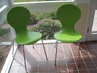 A PAIR OF GREEN COLOUR MODERN DINING CHAIRS - FROM 'MADE'