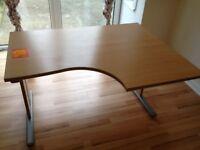 Desk, table, solid design, easy to transport