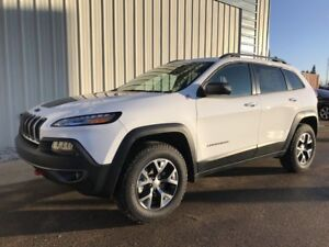 2018 Jeep Cherokee TRAILHAWK 4X4 LEATHER / TRAILER TOW