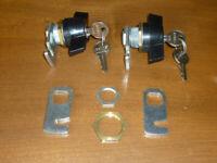 Ronis CABINET CAM LOCKS, Wing Handle, 1/4 Turn, Keyed - Pair