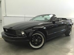 2007 Ford Mustang Convertible Look GT