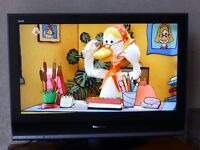 """*Excellent Condition* Panasonic TX-32LMD70 - 32"""" HD Ready LCD TV"""
