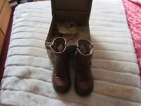 infants size 7 UGG boots harwell stout like new brown grown out of them.