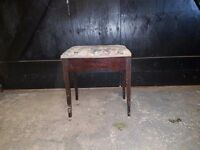 Lovely Piano stool for sale £20