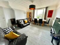 4 bedroom flat in Priory Close, London, SW19 (4 bed) (#1040804)