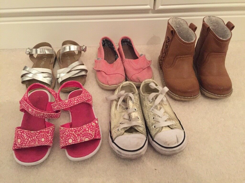 e962f276657 5 Pairs of Girls Shoes Boots Size 7UK. Converse