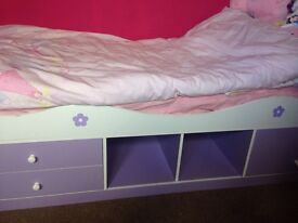 Single child's bed