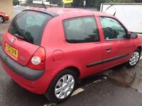 Renault Clio 2002. 1.2 petrol manual tested till june 2017 cheap insurance - cheap runabout