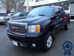 2014 GMC Sierra 3500HD Denali - Leather Seats w/Seat Memory