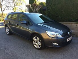2011 Vauxhall Astra Estate / LOW MILEAGE 37,000 / 1.6 Engine / Petrol / Manual