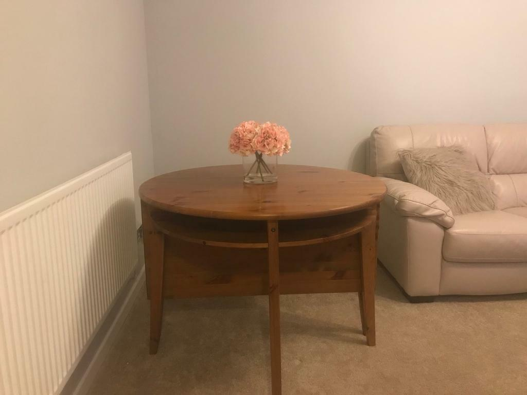 4/6 seater dining room table