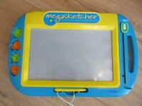 CHILDREN'S MEGASKETCHER - fully working and COMPLETE in great condition