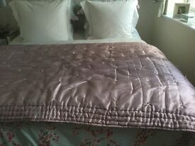 """LAURA ASHLEY - """"Truscott"""" Quilted King/Superking Bedspread/Throw - Bargain! (RRP £200.00)"""