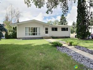 $349,500 - Bungalow for sale in Sherwood Park