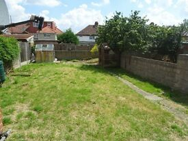 2 bedroom maisonette on a quiet road in Greenford. £1350/month (excl bills).No DSS.No agents