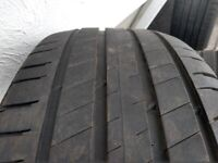 Four Michelin Latitude Sport 3 235/55r18 104V tyres