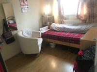 Beautiful double room to let in 3 bed house Rent £100 per week All bills included. Free Parking