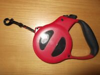 (Treat your pet) Les Amis Flippy Deluxe Mini Tape Retractable Dog Lead (Red).£10.00.