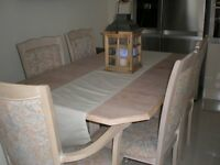 STUNNING LIMED OAK EXTENDING TABLE AND 6 CHAIRS