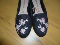 Ladies size 8 nubuck embroidered flat shoe (F&F)