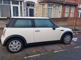 White Mini One with Low Milage 05 Plate and Panoramic sun roof